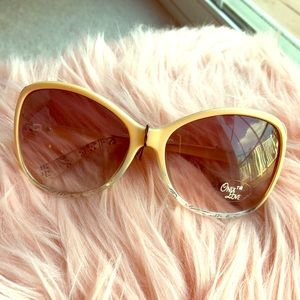 Accessories - Peach Sunnies